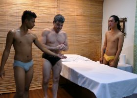 Massage Sex Threesome