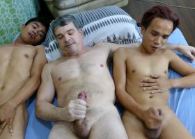 Daddys Threesome with Robin and Nishi